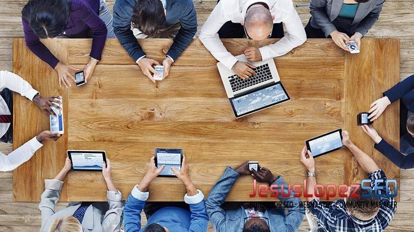 Más móviles y menos ordenadores para conectarse a la web